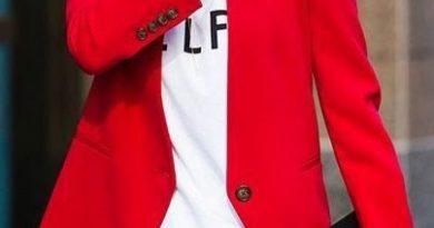 Как носить пиджак красного цвета